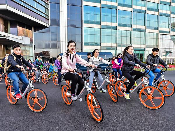 Велосипедисты КНР