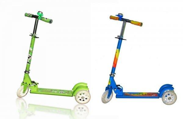 FunnyСамокат Explore Funny - это прекрасный способ прогулки на свежем воздухе и здоровое развитие вашего ребенка! Прочная алюминиевая рама на трехколесной базе обеспечат безопасность и стабильность при катании. Из приятных дополнительных функций особо выделим светящиеся колеса и наличие звонка. Размер платформы: 27х9 см. Колеса: полиуретановые PU 120х24 мм, жесткость 82А, подшипники ABEC 5. Вес - 3 кг. Максимальная нагрузка: 40 кг. Рекомендуется для детей от 3 лет. Цвет: белый, зеленый, синий.<br>