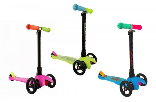 TinyСверхлегкий и простой в управлении самокат Explore Tiny разработан специально для детей от 2 лет. Неоспоримым плюсом уникальной конструкции с двумя большими колесами спереди и малым задним колесом является устойчивость и стабильность при движении. Руль изготовлен из алюминия и регулируется по высоте, ручки - из мягкой резины. Платформа выполнена из безопасного гибкого пластика, усиленного стеловолокном. Размер платформы: 34х11 см. Высота руля: 54-73 см. Колеса: полиуретановые литые PU, передние 120 мм, задние 76 мм, подшипники ABEC 5. Вес - 1,3 кг. Максимальная нагрузка: 20 кг. Цвет: голубой, желтый, зеленый, розовый, синий, фиолетовый.<br>