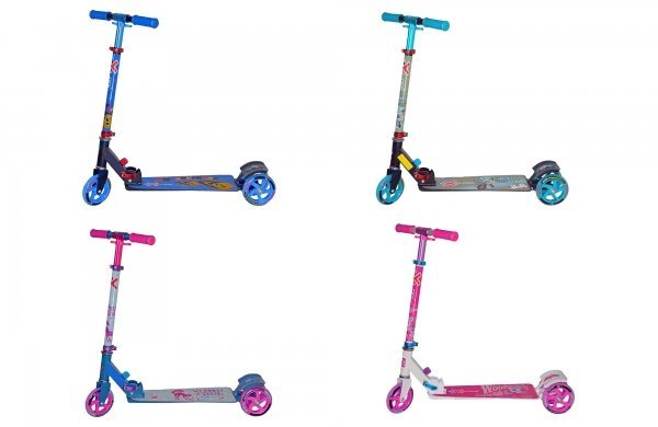 ScootyТрехколесный детский самокат Explore Scooty станет великолепным подарком для вашего ребенка! Рама изготовлена из прочного и легкого алюминиевого сплава. Платформа имеет трапециевидную форму и покрыта антискользящим слоем. Руль регулируется по высоте на трех уровнях. Тормоз классический - с помощью заднего крыла. Размер платформы: ширина 8х15 см, длина 41 см. Высота руля: 63-80 см. Колеса: полиуретановые 125x22 мм переднее, 100 мм задние, подшипники ABEC 5. Вес - 2,7 кг. Максимальная нагрузка: 50 кг. Рекомендуется для детей от 3 до 6 лет. Цвет: белый, зеленый, розовый, синий.<br>