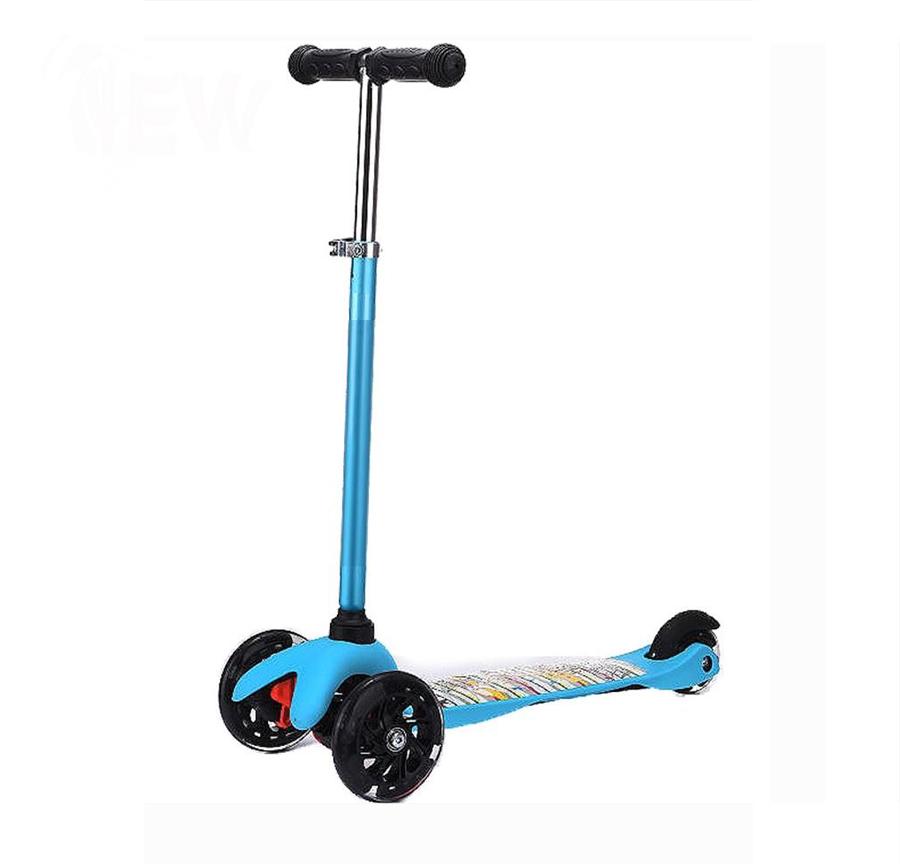 JuniorExplore Junior - лучшая модель, чтобы начать знакомство ребенка с самокатами. Устойчивая трехколесная конструкция легко управляется с помощью регулируемого по высоте Т-образного алюминиевого руля (до 69 см), платформа из ударопрочного пластика размерами 37х10 см имеет антискользящее покрытие и выдерживает нагрузку до 20 кг. Основной «фишкой» данного самоката являются два светящихся передних колеса диаметром 110 мм, сзади установлено маленькое колесо диаметром 80 мм. В конструкции применяются надежные подшипники ABEC 7. Самокат разработан для детей возрастом от 2-х лет. Цвет: голубой, желтый, розовый.<br>