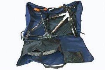 чехол для велосипеда с убранным велосипедом.