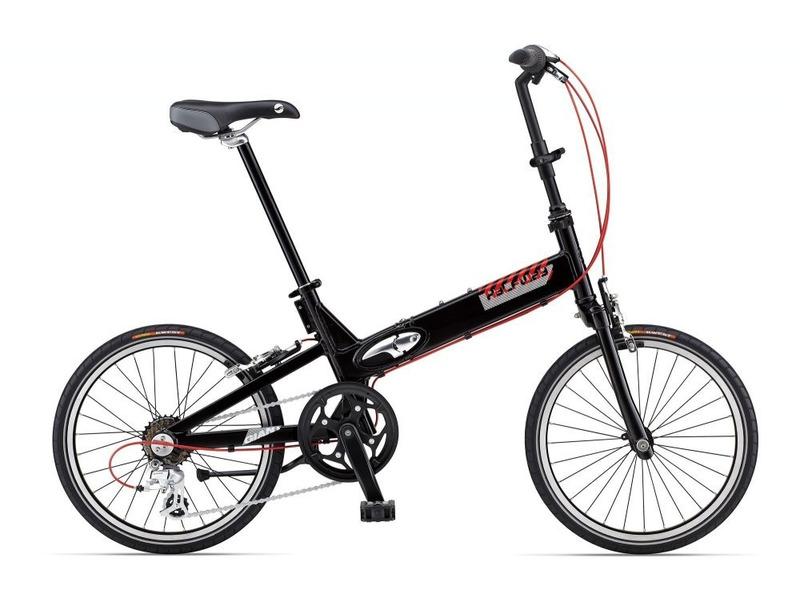 Halfway (2014)Складной велосипед для жителей большого города с оборудованием любительского класса Shimano, 7 скоростей. Технические особенности: алюминиевая рама ALUXX-Grade Aluminum, жесткая вилка ALUXX-Grade Aluminum, одинарные обода Giant Alloy, надежные ободные тормоза Alloy Cantilever. Подходит для прогулочного катания в городских условиях. Диаметр колес - 20 дюймов. Вес - 10,5 кг.<br><br>Рама: ALUXX-Grade Aluminum<br>Вилка: ALUXX-Grade Aluminum<br>Манетки: Shimano Tourney, SL-RS43 Twist<br>Тормоза: Alloy Cantilever<br>Задний переключатель: Shimano RD2300<br>Передняя втулка: Alloy<br>Задняя втулка: Alloy<br>Система: Alloy crank, 48T Chainring<br>Каретка: Cartridge<br>Кассета: Shimano TZ21 14-28, 7s<br>Цепь: KMC Z51<br>Педали: Folding<br>Вынос: Alloy Folding<br>Руль: Alloy Riser, 25.4<br>Подседельный штырь: Alloy 28.6<br>Седло: Giant Comfort<br>Обода: Giant Alloy<br>Спицы: Stainless, 14g<br>Покрышки: Kenda Kwest, 20x1.5<br>Цвета выпускаемые: Black (GEI+GI), White (GI), Red (GI)