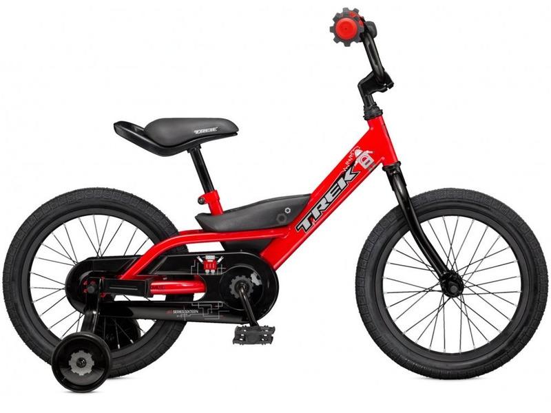Jet 16 (2015)Велосипед, предназначенный для детей в возрасте от трех до шести лет, без переключения передач. Технические особенности: стальная рама High tensile steel, жесткая вилка High tensile steel, одинарные алюминиевые обода, ножные педальные тормоза, отличающиеся наибольшей простотой в использовании и надежностью. Подходит для обучения и легких прогулок. Диаметр колес - 16 дюймов. Вес - 10,9 кг.<br><br>Рама: 16 Dialed frame size, high tensile steel<br>Вилка: Dialed 16, high-tensile steel<br>Передняя втулка: Steel<br>Задняя втулка: Coaster brake<br>Система: Dialed 3.5 length, 26T<br>Цепь: Clarks C410<br>Педали: Dialed 1/2, platform<br>Рулевая колонка: Adjustable ball bearing<br>Вынос: Alloy and steel, 2-bolt<br>Руль: Dialed 16 size, padded<br>Седло: Dialed 16 size, padded<br>Обода: 28-hole aluminium 16<br>Покрышки: Bontrager Dialed 16x1.75<br>Цвета выпускаемые: Viper Red, Matte Trek Black/Blazin Orange<br>Размеры выпускаемые: 16 Dialed frame size