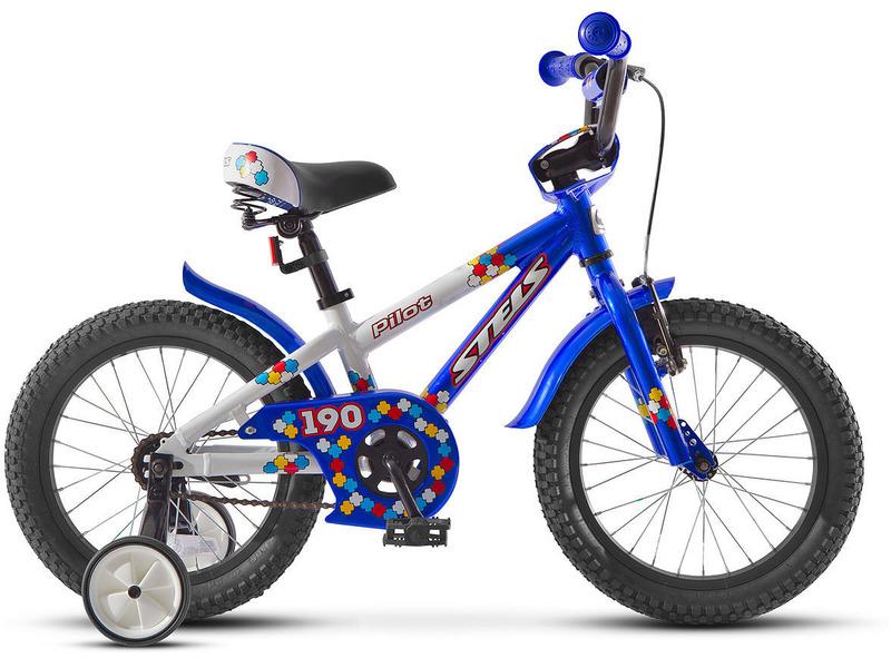 Pilot 190 16 (2015)Велосипед, предназначенный для детей в возрасте от трех до шести лет, без переключения передач. Технические особенности: прочная алюминиевая рама, жесткая вилка, одинарные алюминиевые обода, передний тормоз - ручной, задний - ножной, короткие стальные крылья, высокий руль с накладками, звонок. Подходит для обучения и легких прогулок. Диаметр колес - 16 дюймов. Вес - 10,3 кг.<br><br>Рама: Алюминиевый сплав<br>Вилка: Жесткая<br>Тормоза: передний: AL V-brake, задний: ножной<br>Обода: Алюминий<br>Цвета выпускаемые: розово-белый, оранжево-белый , сине-белый