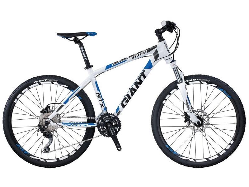 ATX Elite 0 (2015)Велосипеды Горные<br>Легкий хардтейл для езды в стиле кросс-кантри с оборудованием начального профессионального класса Shimano, 30 скоростей. Технические особенности: алюминиевая рама ALUXX-Grade Aluminum, амортизационная вилка Suntour XCM HLO, двойные обода Giant CR70, дисковые гидравлические тормоза Shimano M355. Подходит для активной езды по различным дорогам и пересеченной местности. Диаметр колес - 26 дюймов. Вес - 14,1 кг.<br><br>Рама: ALUXX-Grade Aluminum<br>Вилка: Suntour XCM HLO 26<br>Манетки: Shimano Deore<br>Тормоза: Shimano M355<br>Передний переключатель: Shimano Deore<br>Задний переключатель: Shimano Deore<br>Передняя втулка: Formula DC20/22 Aluminum<br>Задняя втулка: Formula DC20/22 Aluminum<br>Система: Shimano M522<br>Каретка: Shimano BB-ES25 Octalink<br>Кассета: Shimano HG62 11-34, 10s<br>Цепь: KMC X10<br>Педали: VP992S, 9/16<br>Вынос: Giant Sport Alloy, 15-degree rise<br>Руль: Giant Sport Alloy low riser, 31.8mm<br>Подседельный штырь: Giant Sport, 30.9mm<br>Седло: Giant Sport<br>Обода: Giant CR70 26<br>Спицы: Stainless Steel 14G<br>Покрышки: Kenda K1104A 26x1.95<br>Цвета выпускаемые: бело-синий, черно-желтый<br>Размеры выпускаемые: 15.5, 17, 19, 21