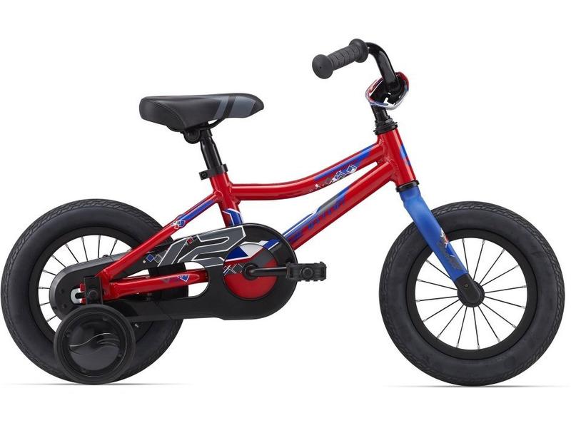 Animator C/B 12 (2015)Велосипед, предназначенный для детей в возрасте от полутора до трех лет, без переключения передач. Технические особенности: алюминиевая рама ALUXX-Grade Aluminum, жесткая стальная вилка, одинарные обода Giant kids, ножные педальные тормоза, полная защита цепи, съемные боковые колеса, звонок. Подходит для обучения и легких прогулок. Диаметр колес - 12 дюймов. Вес - 9,2 кг.<br><br>Рама: ALUXX-Grade Aluminum<br>Вилка: High strength plastic rigid fork,1-1/8<br>Тормоза: Coaster (ножные)<br>Передняя втулка: Nutted, 16H with 74mm O.L.D<br>Задняя втулка: Nutted, 16H with 74mm O.L.D<br>Система: High Tensile steel 1-piece, 28T<br>Каретка: Loose Ball<br>Кассета: 19T<br>Цепь: KMC C410<br>Педали: Nylon Platform<br>Вынос: Alloy Quill type<br>Руль: Giant kids, High Rise 75mm, 420mm width<br>Подседельный штырь: Steel 22.2x180mm<br>Седло: Giant Grow Technology Kids<br>Обода: Giant kids 12<br>Спицы: 14G UCP<br>Покрышки: Giant Easy Balance, 12x2.125<br>Цвета выпускаемые: красный<br>Размеры выпускаемые: One size