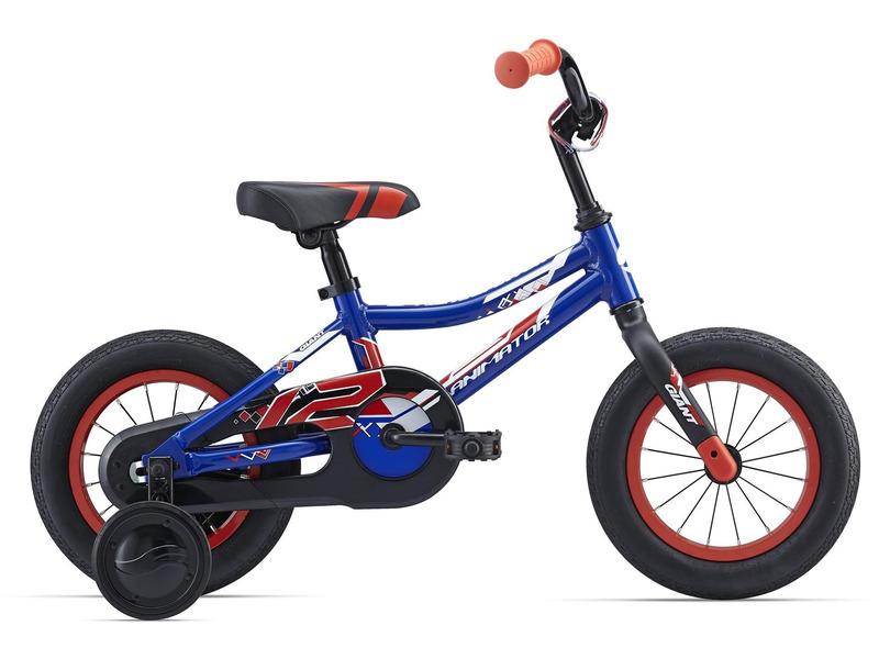 Animator C/B 12 (2016)Велосипед, предназначенный для детей в возрасте от полутора до трех лет, без переключения передач. Технические особенности: алюминиевая рама ALUXX-Grade Aluminum, жесткая вилка Rigid fork, одинарные обода Giant kids, ножные педальные тормоза, съемные боковые колеса, защита цепи. Подходит для обучения и легких прогулок. Диаметр колес - 12 дюймов.<br><br>Рама: ALUXX-Grade Aluminum<br>Вилка: High strength plastic rigid fork,1-1/8<br>Тормоза: Coaster<br>Передняя втулка: Nutted, 16H with 74mm O.L.D<br>Задняя втулка: Nutted, 16H with 74mm O.L.D<br>Система: High Tensile steel 1-piece, 28T<br>Каретка: Loose Ball<br>Кассета: 19T<br>Цепь: PAM 1/2X1/8X72L anti-rust<br>Педали: Nylon Platform<br>Вынос: Alloy Quill type<br>Руль: Giant kids, High Rise 75mm, 420mm width<br>Подседельный штырь: Steel 22.2x180mm<br>Седло: Giant grow technology kids saddle<br>Обода: Giant kids 12<br>Спицы: 14G SUS<br>Покрышки: Giant Easy Balance, 12x2.125<br>Цвета выпускаемые: синий/красный, черный/зеленый