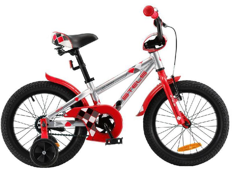 Pilot 190 18 (2017)Велосипед, предназначенный для детей в возрасте от трех до шести лет, без переключения передач. Технические особенности: прочная алюминиевая рама, жесткая вилка, одинарные алюминиевые обода, передний тормоз - ручной, задний - ножной, короткие стальные крылья, высокий руль с накладками, звонок. Подходит для обучения и легких прогулок. Диаметр колес - 18 дюймов. Вес - 10,6 кг.<br><br>Рама: Сталь<br>Вилка: Жесткая, сталь<br>Тормоза: Promax, V-типа; задний ножной<br>Каретка: Сталь<br>Педали: Пластик<br>Рулевая колонка: Сталь<br>Вынос: Сталь<br>Руль: Сталь<br>Подседельный штырь: Сталь<br>Седло: Stels, детское<br>Обода: Одинарные, алюминий<br>Спицы: Сталь<br>Покрышки: 18?<br>Цвета выпускаемые: белый/салатовый, хром/красный<br>Размеры выпускаемые: Один размер