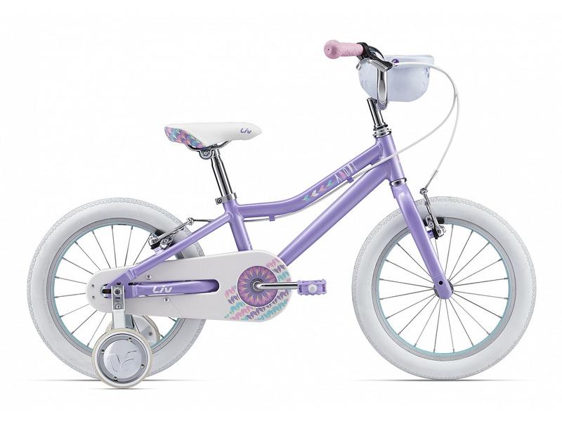 Adore F/W 16 (2017)Велосипед, предназначенный для девочек в возрасте от трех до шести лет, без переключения передач. Технические особенности: алюминиевая рама ALUXX-Grade Aluminum, жесткая вилка High Tensile Steel, алюминиевые обода 6061 Aluminum, надежные ободные тормоза Alloy Direct-Pull, полная защита цепи, съемные боковые колеса, передняя корзинка, звонок. Подходит для обучения и легких прогулок. Диаметр колес - 16 дюймов.<br><br>Рама: ALUXX-Grade Aluminum<br>Вилка: High Tensile Steel rigid Fork, 1-1/8?, 25.4mm Steel Steerer with dropout cap<br>Тормоза: Alloy Direct-Pull<br>Передняя втулка: Nutted, 20h with 74mm O.L.D<br>Задняя втулка: Nutted, 20h with 74mm O.L.D<br>Система: High Tensile Steel 1-Piece, 28T<br>Каретка: Loose Ball<br>Кассета: 18T<br>Цепь: KMC C410<br>Педали: Nylon Platform<br>Вынос: Alloy Quill Type<br>Руль: Giant Kids, High Rise with Basket Integrated<br>Подседельный штырь: Steel 27.2, 230mm<br>Седло: Giant Kids<br>Обода: Giant Kids 16?, 6061 Aluminum<br>Спицы: 14G SUS<br>Покрышки: Giant Kids, 16x2.125?<br>Цвета выпускаемые: фиолетовый<br>Размеры выпускаемые: Один размер