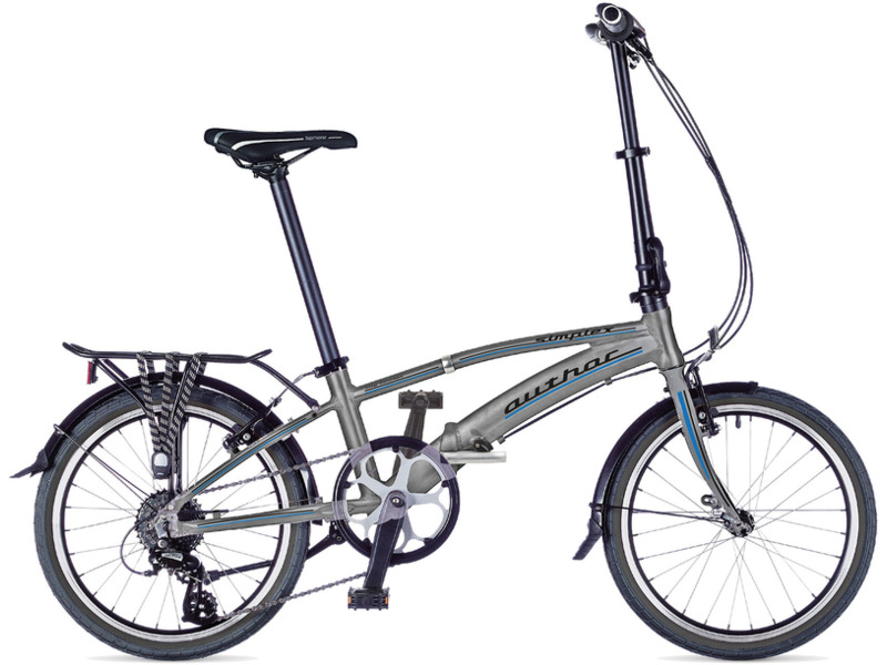 Simplex (2016)Складной прогулочный велосипед с оборудованием любительского класса Shimano, 7 скоростей. Технические особенности: алюминиевая рама сплав 7005, жесткая стальная вилка, двойные алюминиевые обода Jalco alloy, надежные ободные тормоза Promax TX117 V-brake, длинные крылья, багажник, складные педали, подножка. Подходит для прогулочного катания в городских условиях. Диаметр колес - 20 дюймов. Вес - 12,5 кг.<br><br>Рама: Алюминиевый сплав 7005<br>Вилка: Жесткая, hi-ten сталь<br>Манетки: Shimano Revoshift<br>Тормоза: Promax TX117 V-brake, ободные<br>Передний переключатель: Shimano Tourney TX800 (31.8)<br>Задний переключатель: Shimano Acera<br>Передняя втулка: Quando 28 holes<br>Задняя втулка: Quando 28 holes<br>Система: Prowheel 52 teeth<br>Каретка: Neco cartridge<br>Кассета: Shimano HG31-8 12-32 (8)<br>Цепь: KMC Z51<br>Педали: Складные<br>Рулевая колонка: Neco Integrated 1?<br>Вынос: Alloy telescopic<br>Руль: Integrus alloy<br>Подседельный штырь: Алюминиевый 33,9 мм<br>Седло: Author Sphere Gel<br>Обода: Jalco alloy 20? 28 holes<br>Спицы: Сталь 2 мм<br>Покрышки: Kenda K-193 20 x 1.50?<br>Цвета выпускаемые: серебристый/синий, черный/зеленый<br>Размеры выпускаемые: M