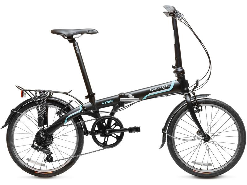 """Vybe D7 (2016)Велосипеды Складные<br>Складной прогулочный велосипед с оборудованием начального класса Shimano, 7 скоростей. Технические особенности: алюминиевая рама Vybe Dalloy, жесткая вилка Hi-Ten Steel, двойные алюминиевые обода, надежные ободные тормоза V-Brake, длинные крылья, багажник, подножка. Подходит для прогулочного катания в городских условиях. Диаметр колес - 20 дюймов. Вес - 11,9 кг.<br><br>Рама: Vybe Dalloy w/ Dahon Visegrip Technology<br>Вилка: Smooth Riding and Stable Hi-Ten Steel Blades and Steerer<br>Манетки: Microshift грипшифт<br>Тормоза: Ободной тормоз (V-brake)<br>Задний переключатель: 7-Speed Shimano FT35 Rear Derailleur<br>Передняя втулка: Dahon Custom, 74 мм<br>Задняя втулка: Dahon 130 мм<br>Система: Кованные, со звездой на 46 зубьев и защитой цепи<br>Каретка: CH<br>Кассета: 13 - 28<br>Цепь: KMC Z50<br>Педали: Dahon, складные, резиновое основание<br>Рулевая колонка: Полуинтегрированная Custom DAHON<br>Вынос: Dahon Forged Aluminum Radius-V Handlepost<br>Руль: Прямой руль из алюминия 6061, шириной 580 мм, с углом подъёма 10 градусов<br>Подседельный штырь: Dahon Custom из алюминия 6061, 33,9 мм x 580 мм<br>Седло: Dahon Ergo Comfort<br>Обода: 20"""" Aluminum Rims<br>Покрышки: Kenda 20 x 1.50""""<br>Цвета выпускаемые: черный, белый<br>Размеры выпускаемые: Один размер под рост 140-188 cм  и вес 105 кг"""